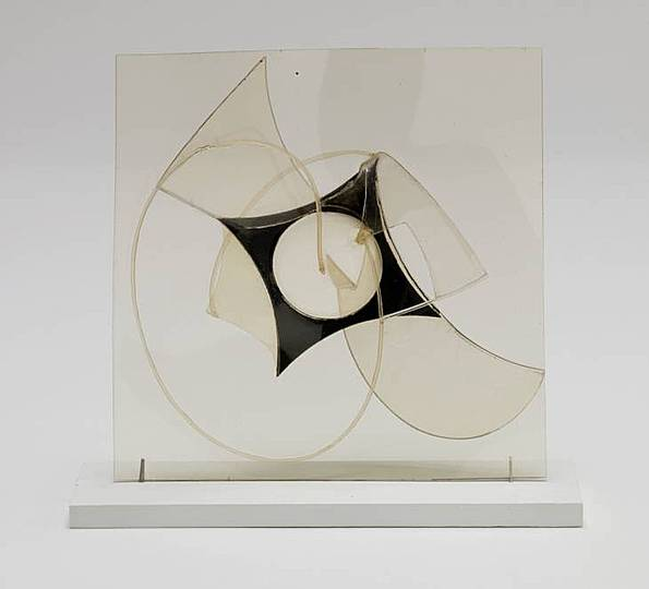 vladimir tatlin and naum gabo modern art Vladimir tatlin tatlin was born in moscow in the former russian empire, the son of a railway engineer and a poet in 1890, he moved with his family to kharkiv, in eastern ukraine.